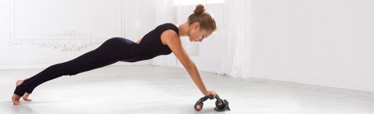 vježbanje trbušnih mišića sa 3 ab wheel spravom