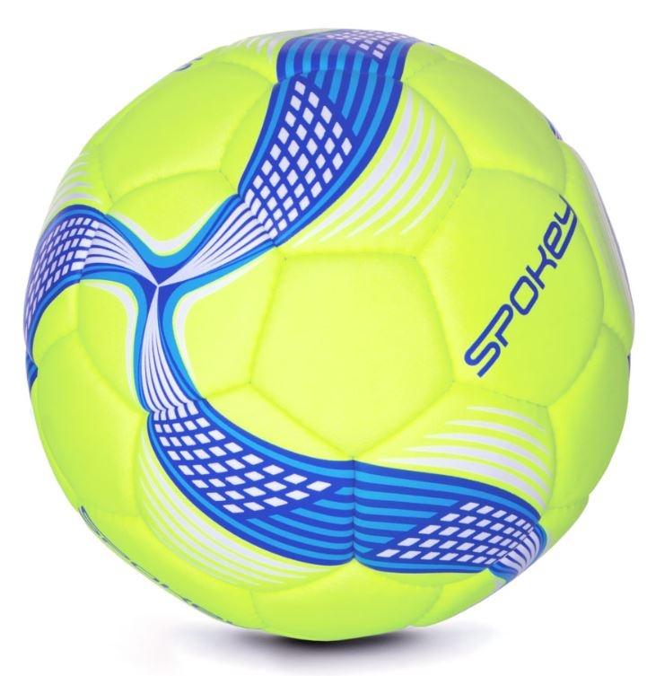 žoga za igranje nogometa