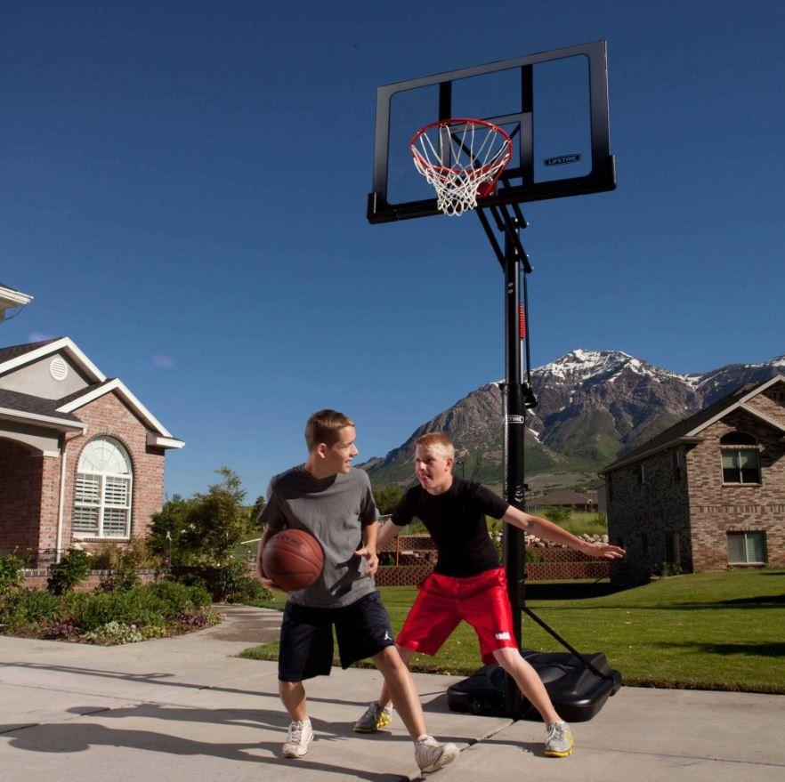 kakovosten prenosni koš za košarko