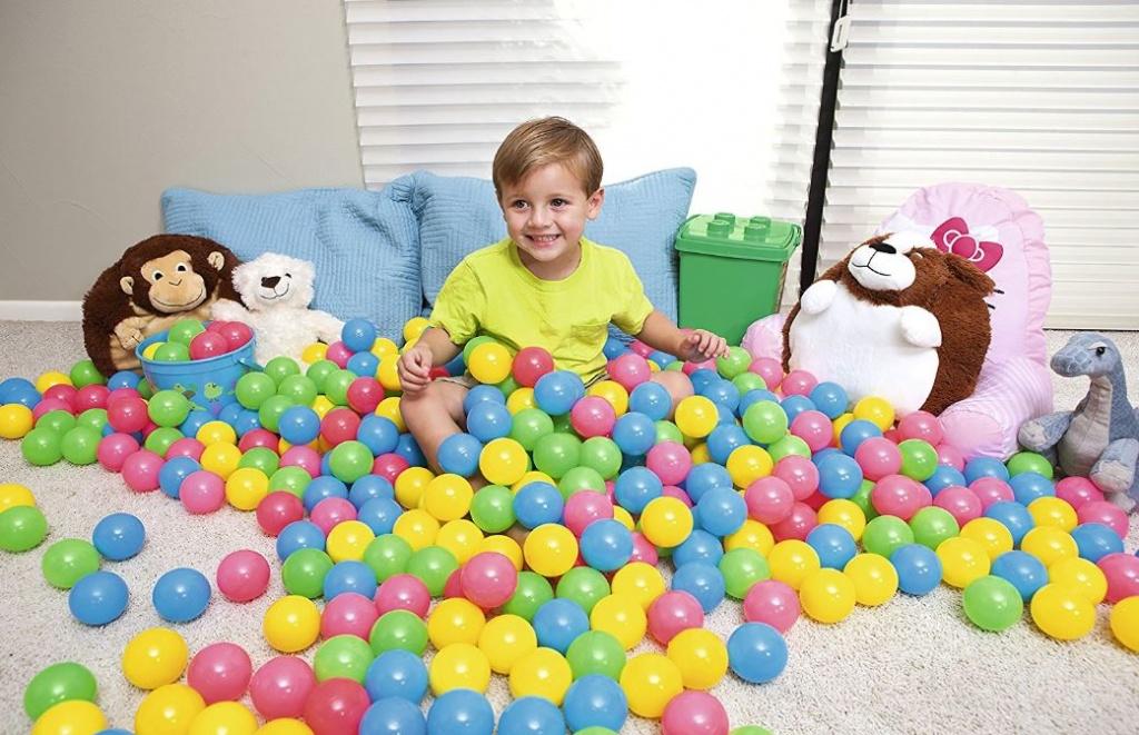100 barvnih žogic za otroke