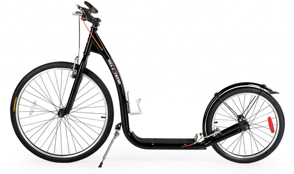 skiro z velikimi napihljivimi kolesi