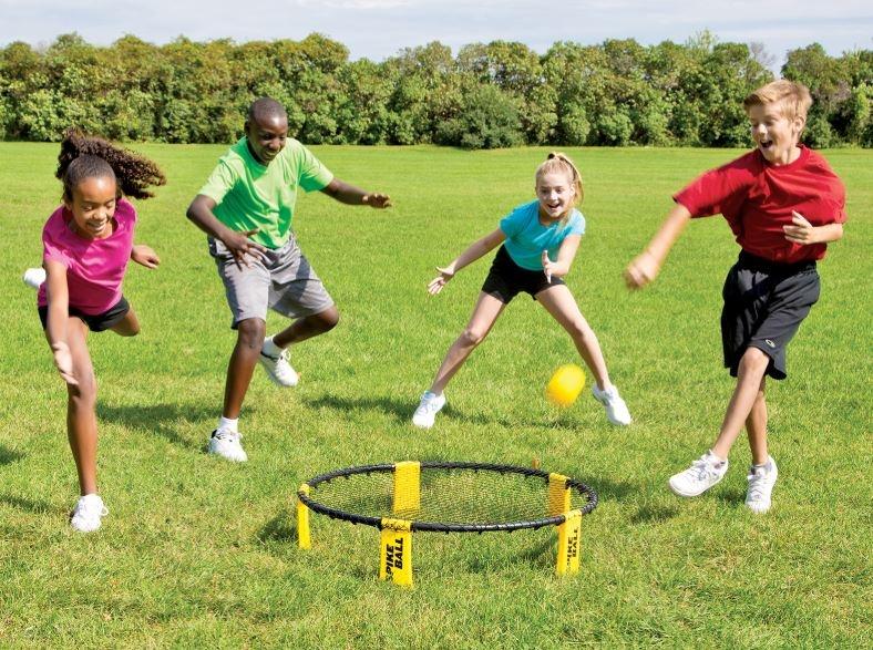 igra z mrežo in žogico bounce ball