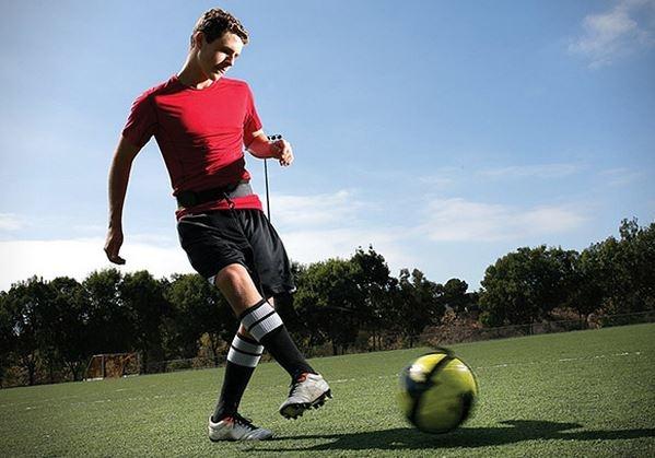elastika za trening nogometa z žogo