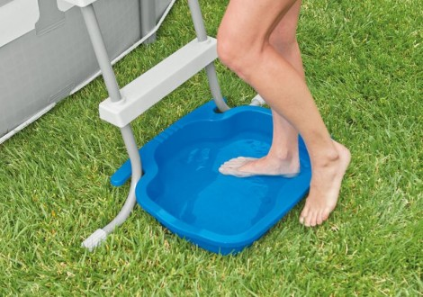 vaschetta lavapiedi per piscina